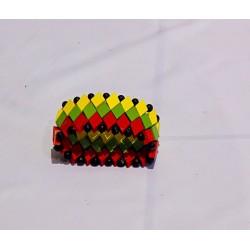 Bracelet vert jaune rouge en bois