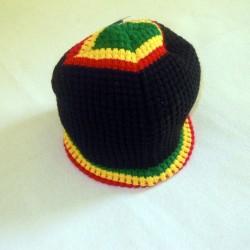 Bonnet noir double motifs