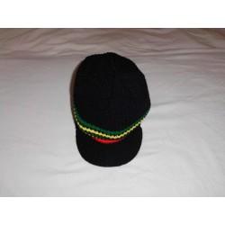 Bonnet noir avec visière bandes vert jaune rouge